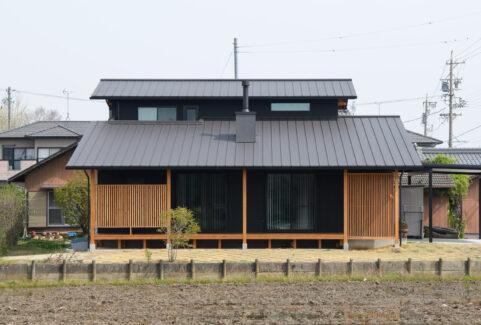 祖父江 黒の家